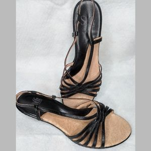 Sofft Black Strappy Kitten Heel Leather sandals